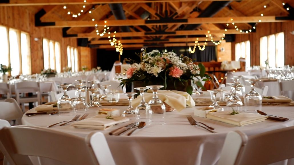 Groups & Meetings location - wedding reception in a rustic hall