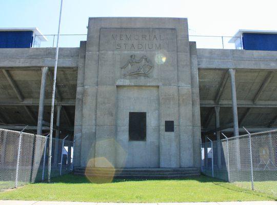 Monument – Veterans Memorial Stadium